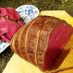 ミドルな赤ワインにぴったりの炊飯器で簡単ローストビーフ